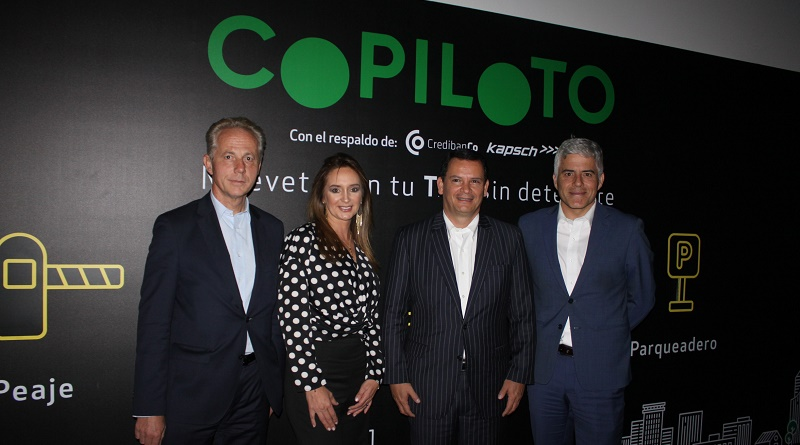 Georg Kapsch CEO de Kapsch, Paula González gerente de Copiloto, Gustavo Leaño presidente de Credibanco y Emilio Rivas vicepresidente de Kapsch para Latinoamérica.